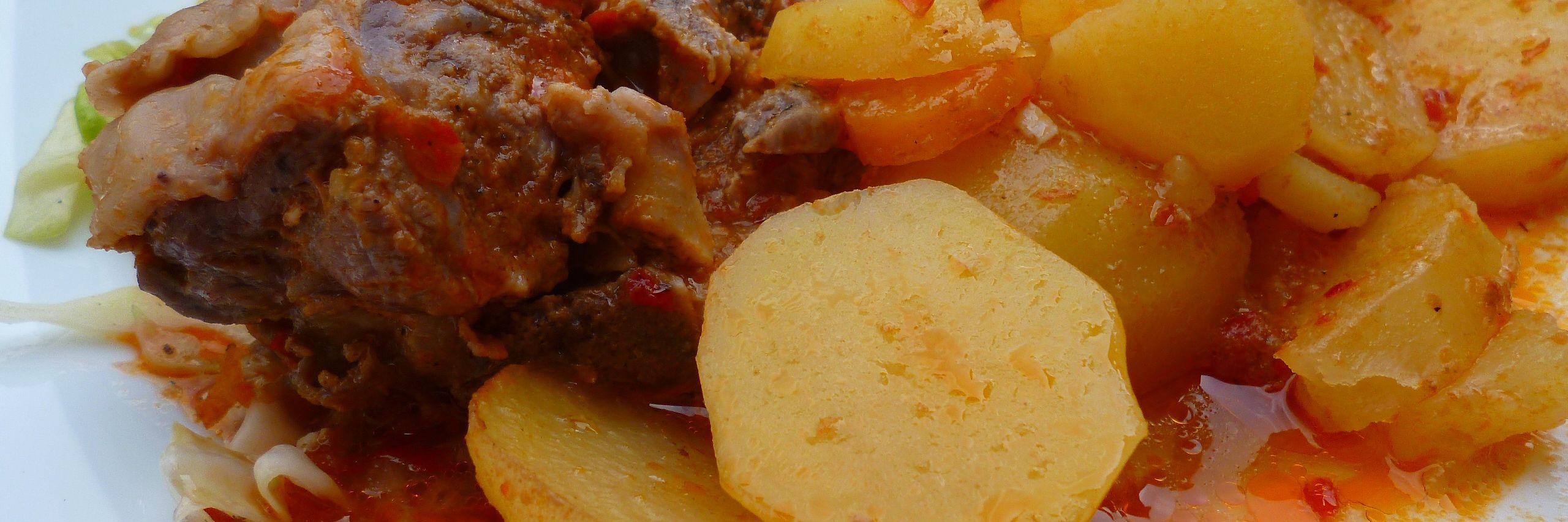 Сач (блюдо балканской кухни). Фото: Елена Арсениевич, CC BY-SA 3.0