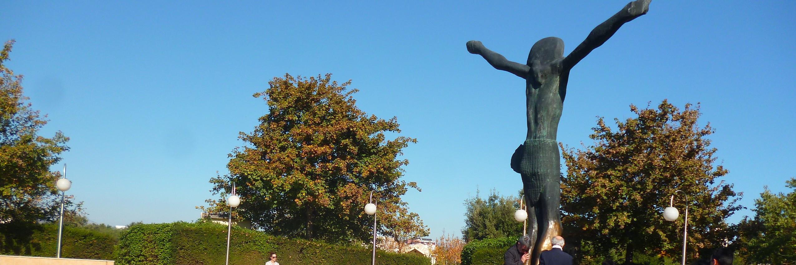 Статуя Воскресшего Спасителя