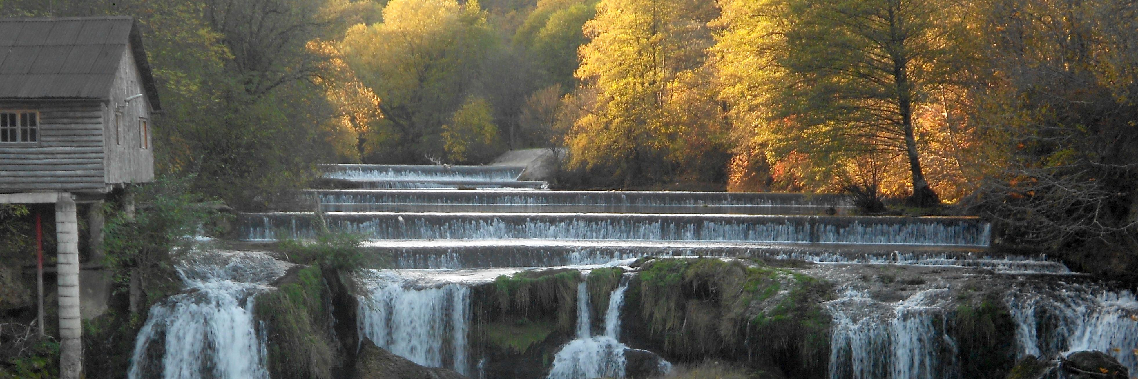 Водопад Костелский бук