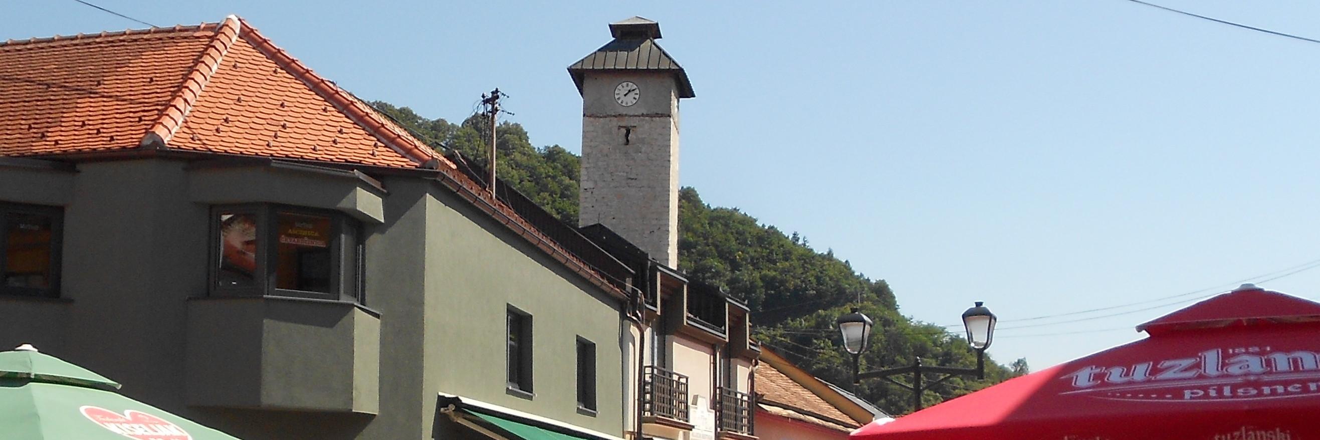 Часовая башня в Грачанице