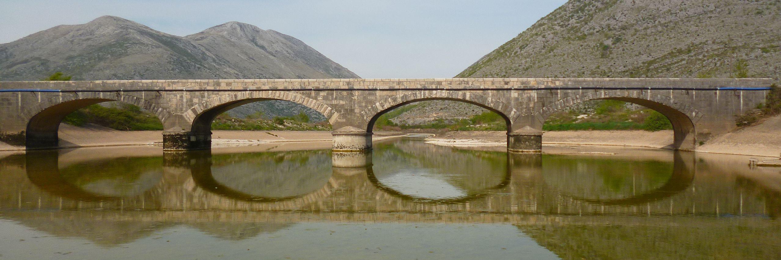 Мост на Поповом поле