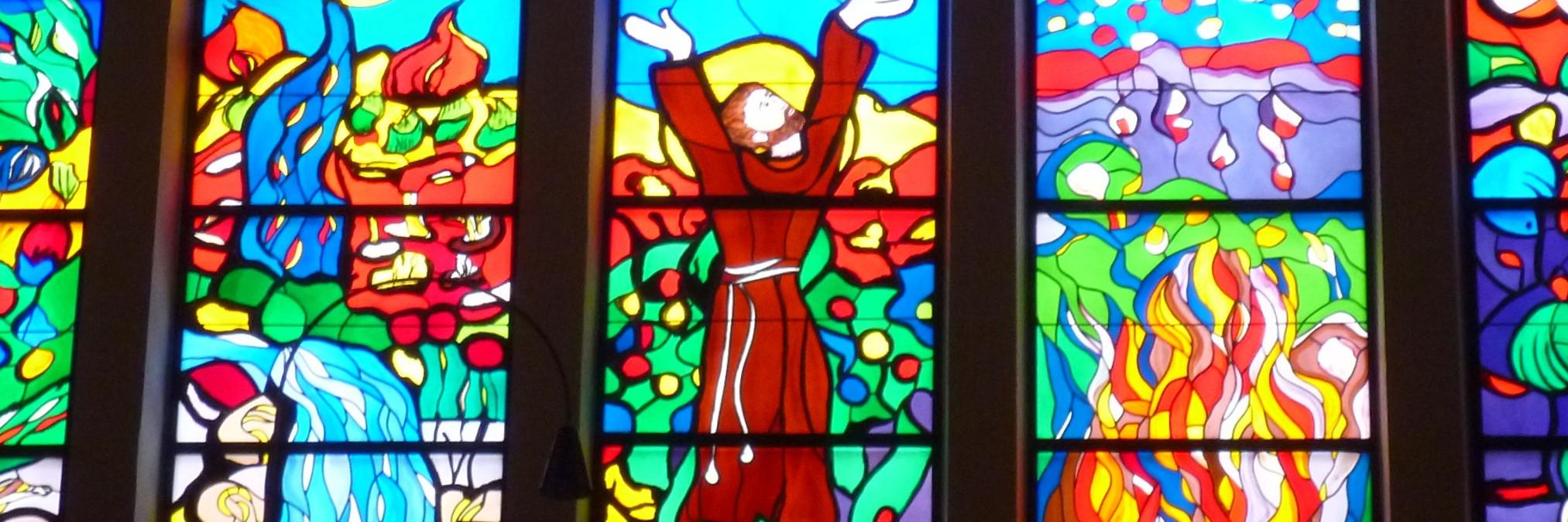 Витражи в церкви св. Анте