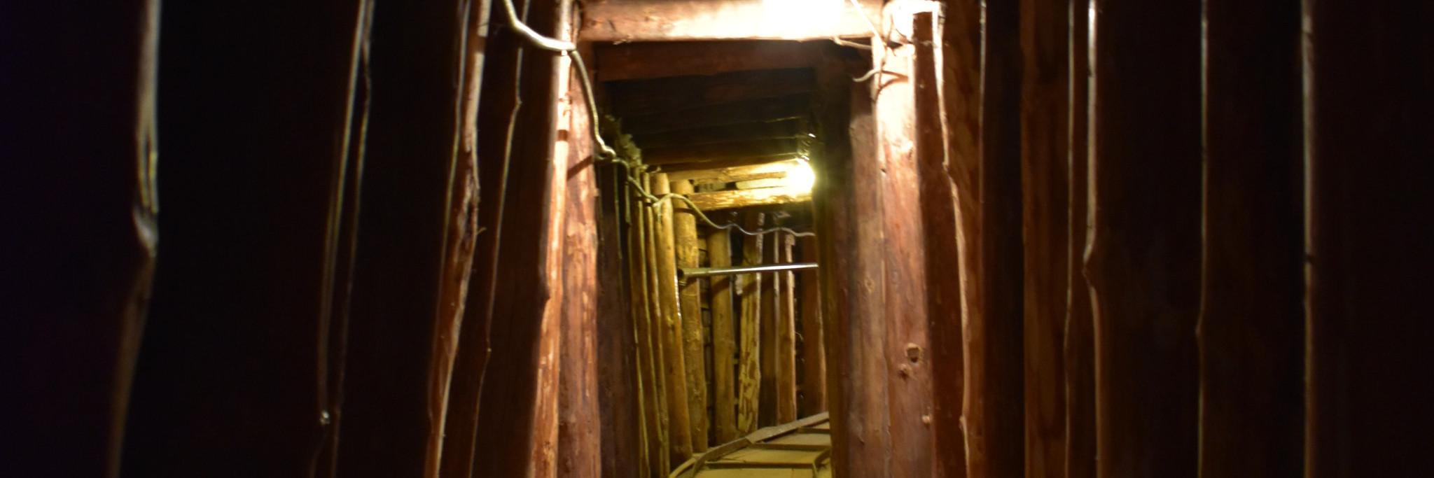 Туннель спасения. Фото: Justin W Flory, CC-BY-SA 4.0