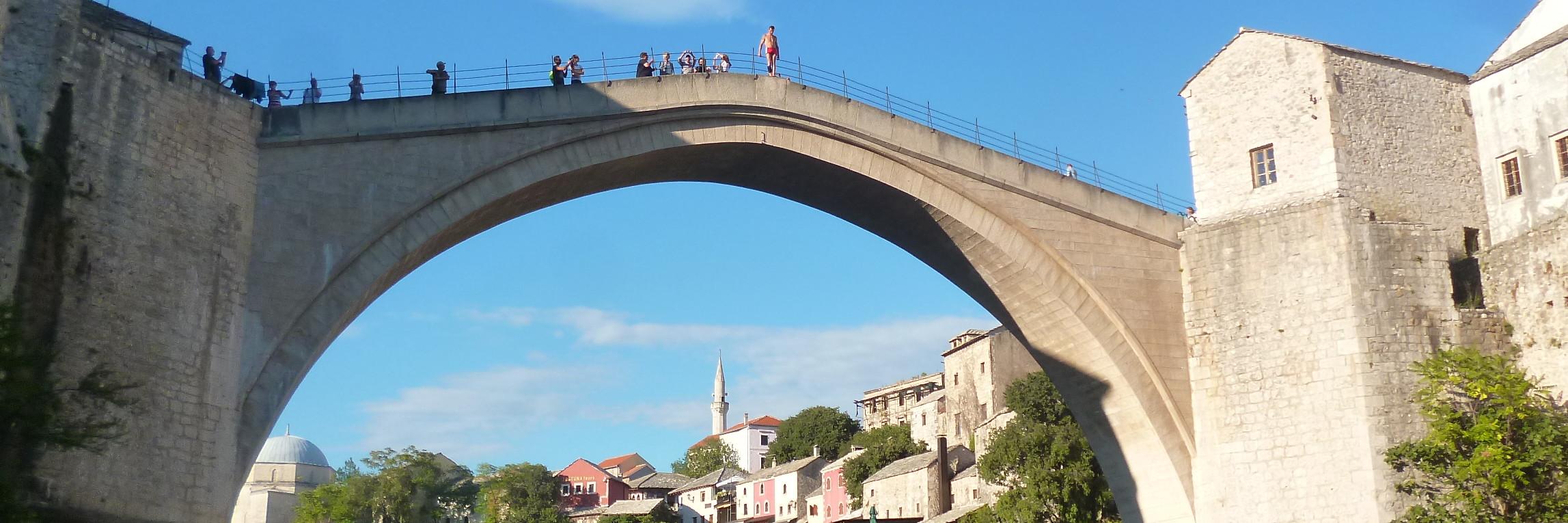 Прыжки со Старого моста. Фото: Елена Арсениевич, CC BY-SA 3.0